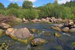 Flux de fleuve image stock