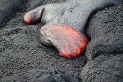 Fluxo da lava encarnado imagens de stock royalty free