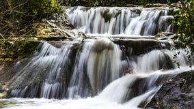 Fluxo do inverno na cachoeira de Hashofet imagens de stock royalty free