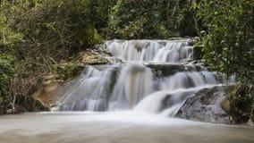Fluxo do inverno na cachoeira de Hashofet foto de stock royalty free