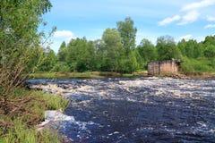 Fluxo do rio foto de stock