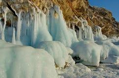 Fluxos fantásticos surpreendentes do gelo do Lago Baikal Foto de Stock Royalty Free