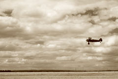 Free Fly-by Royalty Free Stock Photography - 11460667