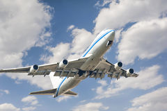 Fly to the sky jetliner Royalty Free Stock Photo
