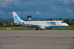 FlyBe巴西航空工业公司175 免版税库存照片