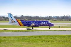 Flybe Saab 340B que prepara-se para o aeroporto de Manchester da decolagem Fotos de Stock