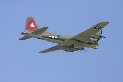 FlyBy del bombardero fotografía de archivo libre de regalías