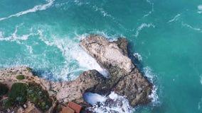 Flyg över den härliga kusten på Mallorca stock video