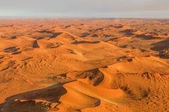 Flyg över den Sossusvlei öknen i Namibia Royaltyfri Fotografi