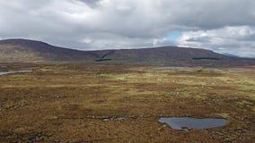 Flyg över det fantastiska landskapet av den Rannoch heden bredvid Glencoe lager videofilmer