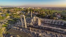 Flyg över gammalgrekiskatemplet av Apollo på Didyma, Didim, Turkiet, antenn, 4k arkivfilmer