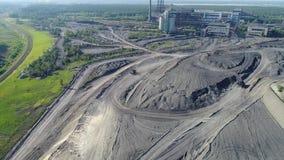 Flyg över minen stock video
