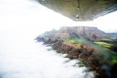 Flyg över tabellbergen av Namibia royaltyfri fotografi