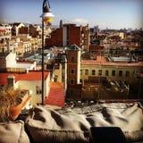 flyg- arkitekturbarcelona medelhavs- pedrera rooftops sedd sikt Royaltyfri Fotografi