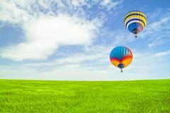 Flyg av ballonger Arkivbild