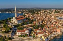 Flyg- for av Rovinj, Kroatien Arkivfoton