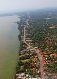 Flyg- bästa sikt som dånar den moderna tropiska ön Colombo Sri Lanka Royaltyfri Fotografi