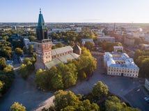 Flyg- bild av den Turku domkyrkan royaltyfri foto