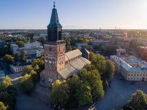 Flyg- bild av den Turku domkyrkan arkivbild