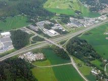 Flyg- bild av huvudvägen royaltyfria bilder