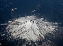 Flyg- bild av monteringshuven i Oregon, USA royaltyfria bilder