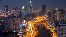 Flyg- cityscape för Ho Chi Minh stad, Vietnam solnedgångtimelapse stock video