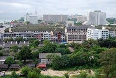 Flyg- cityscapesikt av byggnader i den Jomtien stranden Pattaya, Thailand arkivfoto