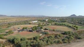 Flyg- fält för Arizona högstadiumbaseball stock video
