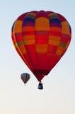 Flyg för två ballonger Arkivbild