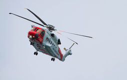 Flyg för UK-coastguardhelikopter Royaltyfri Bild