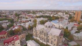 Flyg- filmande med en kyrka lager videofilmer