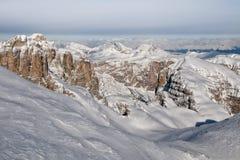 Flyg- himmelsikt för Dolomites som tas från helikoptern i vinter Royaltyfria Foton