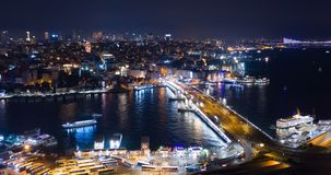 Flyg- Hyperlapse Istanbul Galata och Bosphorus natt arkivfilmer