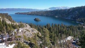 Flyg- 4K Emerald Bay, Lake Tahoe, Kalifornien USA panorama arkivbilder