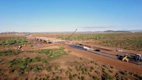 Flyg- konstruktion av den nya huvudvägbron lager videofilmer