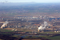 flyg- kust- industriell town arkivbild