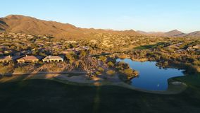 Flyg- lämnad Arizona golfbanagir arkivfilmer