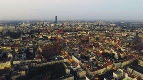 Flyg- längd i fot räknat av Wroclaw, europeisk huvudstad av kultur mitt lager videofilmer