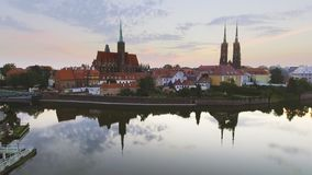 Flyg- längd i fot räknat av Wroclaw, europeisk huvudstad av kultur mitt arkivfilmer