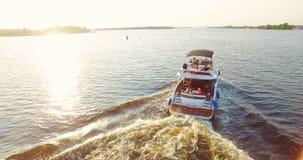 Flyg- längd i fot räknatantenn för lyxig yacht arkivfilmer