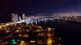 Flyg- Miami Aventura natthorisont Arkivbild