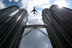 Flyg och horisont på KLCC Kuala Lumpur Malaysia Arkivfoto