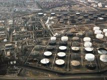 flyg- oljeraffinaderi Arkivbild