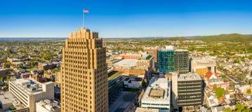 Flyg- panorama av Allentown, Pennsylvania horisont royaltyfria bilder
