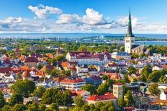 Flyg- panorama av Tallinn, Estland Arkivbild