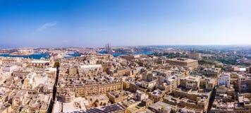 Flyg- panoramautsikt av Valletta den gamla staden på Malta arkivfoton