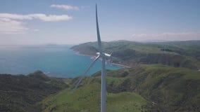 Flyg- roterande vindturbingeneratorer 4k arkivfilmer