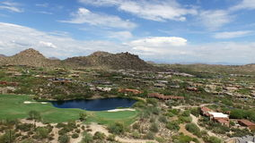 Flyg- Scottsdale Arizona golfbana 4 lager videofilmer