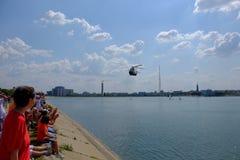 Flyg show 2016 på Morii sjön i Bucharest, Rumänien royaltyfri bild