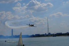Flyg show 2016 på Morii sjön i Bucharest, Rumänien arkivfoto
